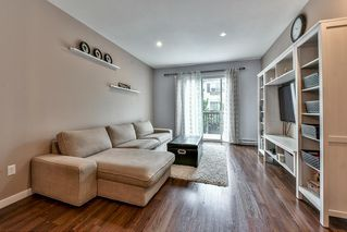 Photo 2: 59 8767 162 STREET in Surrey: Fleetwood Tynehead Townhouse for sale : MLS®# R2105747