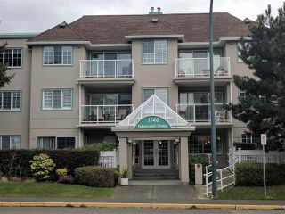 Photo 2: 209 1140 55 STREET in Delta: Tsawwassen Central Condo for sale (Tsawwassen)  : MLS®# R2149066