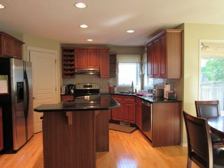 Photo 4: 7 Empress Way in St. Albert: Attached Home for rent