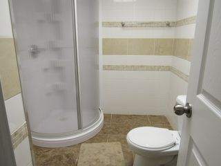 Photo 8: 7 Empress Way in St. Albert: Attached Home for rent