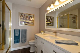 Photo 10: 403 15340 19A Avenue in Surrey: King George Corridor Condo for sale (South Surrey White Rock)  : MLS®# R2353532