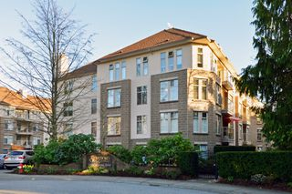 Photo 20: 403 15340 19A Avenue in Surrey: King George Corridor Condo for sale (South Surrey White Rock)  : MLS®# R2353532