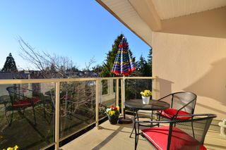 Photo 13: 403 15340 19A Avenue in Surrey: King George Corridor Condo for sale (South Surrey White Rock)  : MLS®# R2353532