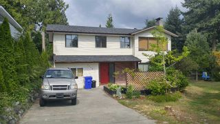 Photo 1: 5798 NEPTUNE Road in Sechelt: Sechelt District House for sale (Sunshine Coast)  : MLS®# R2400783