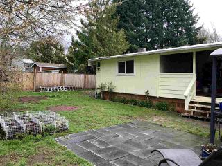 """Main Photo: 183 1413 SUNSHINE COAST Highway in Gibsons: Gibsons & Area Manufactured Home for sale in """"The Poplars"""" (Sunshine Coast)  : MLS®# R2407130"""