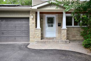 Photo 2: 290 Manchester Drive in Newmarket: Bristol-London House (2-Storey) for sale : MLS®# N4590588