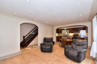 Photo 8: 290 Manchester Drive in Newmarket: Bristol-London House (2-Storey) for sale : MLS®# N4590588
