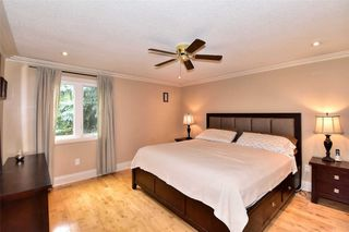 Photo 13: 290 Manchester Drive in Newmarket: Bristol-London House (2-Storey) for sale : MLS®# N4590588