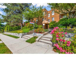 "Photo 1: 410 7151 EDMONDS Street in Burnaby: Highgate Condo for sale in ""BAKERVIEW"" (Burnaby South)  : MLS®# R2456940"