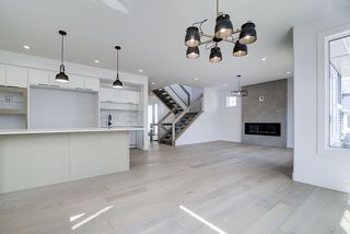 Photo 3: 8927 20 Avenue in Edmonton: Zone 53 House for sale : MLS®# E4203196