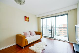 Photo 5: 2001 1188 HOWE Street in Vancouver: Downtown VW Condo for sale (Vancouver West)  : MLS®# R2493412