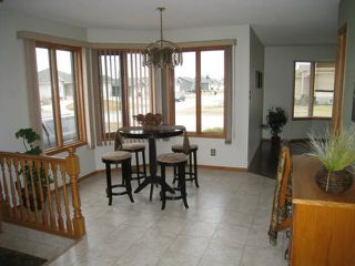 Photo 5: 150 Hawthorne Avenue East in DAUPHIN: Manitoba Other Residential for sale : MLS®# 1204431