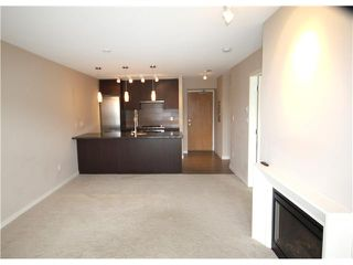 "Photo 2: 1006 2982 BURLINGTON Drive in Coquitlam: North Coquitlam Condo for sale in ""EDGEMONT BY BOSA"" : MLS®# V946066"