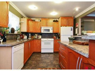 Photo 2: 10310 143RD Street in Surrey: Whalley House for sale (North Surrey)  : MLS®# F1228954