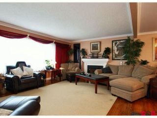 Photo 3: 10310 143RD Street in Surrey: Whalley House for sale (North Surrey)  : MLS®# F1228954