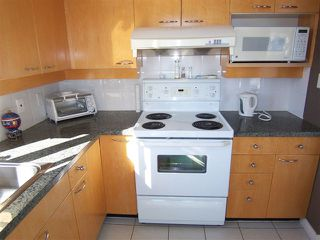 """Photo 10: # 1601 1201 MARINASIDE CR in Vancouver: Yaletown Condo for sale in """"THE PENINSULA"""" (Vancouver West)  : MLS®# V939947"""