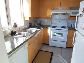"""Photo 8: # 1601 1201 MARINASIDE CR in Vancouver: Yaletown Condo for sale in """"THE PENINSULA"""" (Vancouver West)  : MLS®# V939947"""
