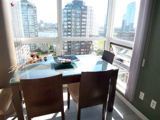 """Photo 5: # 1601 1201 MARINASIDE CR in Vancouver: Yaletown Condo for sale in """"THE PENINSULA"""" (Vancouver West)  : MLS®# V939947"""