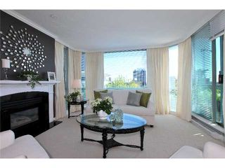 Photo 1: 403 140 E 14TH Street in North Vancouver: Central Lonsdale Condo for sale : MLS®# V1006221
