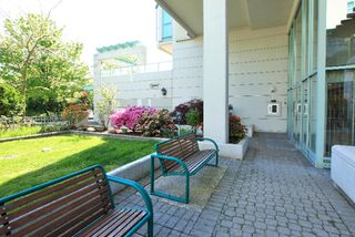 Photo 18: 403 140 E 14TH Street in North Vancouver: Central Lonsdale Condo for sale : MLS®# V1006221