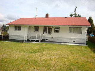 Photo 1: 13840 Selkirk Drive in Surrey: Bolivar Heights Home for sale ()