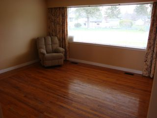 Photo 10: 13840 Selkirk Drive in Surrey: Bolivar Heights Home for sale ()