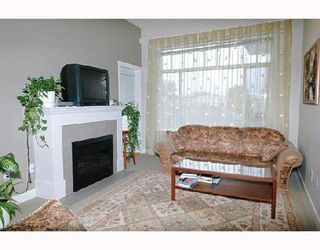 Photo 3: 402 2353 MARPOLE Ave in Port Coquitlam: Central Pt Coquitlam Home for sale ()  : MLS®# V674606