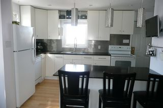 Photo 10: 536 Greenacre Blvd.: Residential for sale