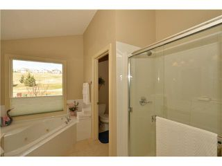 Photo 12: 259 GLENEAGLES View: Cochrane Residential Detached Single Family for sale : MLS®# C3624028
