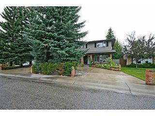 Photo 2: 115 LAKE MEAD Drive SE in CALGARY: Lk Bonavista Estates Residential Detached Single Family for sale (Calgary)  : MLS®# C3633844