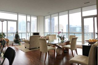 Main Photo: 707 4070 Confederation Parkway in Mississauga: City Centre Condo for sale : MLS®# W3074912