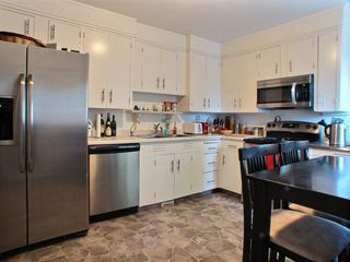 Photo 3: 1017 Dumas Avenue in Winnipeg: Fort Garry / Whyte Ridge / St Norbert Residential for sale (South Winnipeg)  : MLS®# 1527195