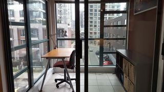 Photo 3: 411 939 HOMER STREET in Vancouver: Yaletown Condo for sale (Vancouver West)  : MLS®# R2030852
