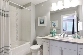 Photo 10: 21091 79A AVENUE in Langley: Willoughby Heights Condo for sale : MLS®# R2120936