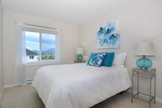 Photo 11: 21091 79A AVENUE in Langley: Willoughby Heights Condo for sale : MLS®# R2120936