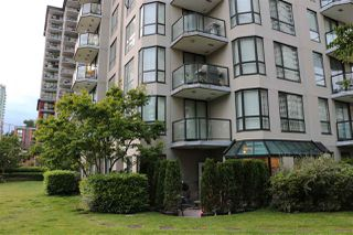 Photo 1: 201 838 AGNES STREET in New Westminster: Downtown NW Condo for sale : MLS®# R2179080