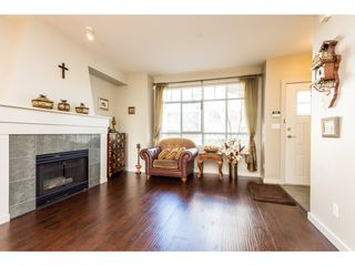 Photo 3: 7123 MONT ROYAL SQUARE in Vancouver: Champlain Heights Townhouse for sale (Vancouver East)  : MLS®# R2350101