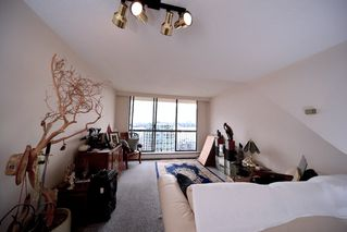 "Photo 3: 1808 145 ST. GEORGES Avenue in North Vancouver: Lower Lonsdale Condo for sale in ""Talisman Towers"" : MLS®# R2403974"