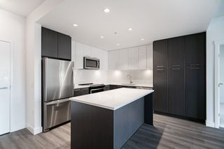 Photo 3: 209 2382 ATKINS Avenue in Port Coquitlam: Central Pt Coquitlam Condo for sale : MLS®# R2419655