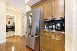 Photo 5: 305 9811 96A Street in Edmonton: Zone 18 Condo for sale : MLS®# E4183992