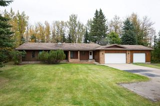 Photo 1: 140 Lac Ste. Anne Trail: Rural Sturgeon County House for sale : MLS®# E4218317