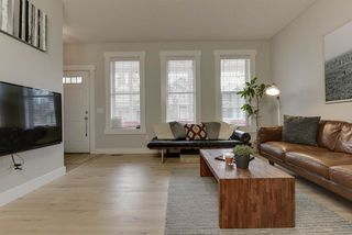 Photo 4: 9908 89 Street in Edmonton: Zone 13 House for sale : MLS®# E4218852