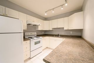 Photo 8: 1607 10909 103 Avenue in Edmonton: Zone 12 Condo for sale : MLS®# E4219031