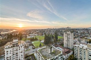 "Main Photo: 2401 739 PRINCESS Street in New Westminster: Uptown NW Condo for sale in ""BERKLEY PLACE"" : MLS®# R2523627"