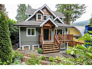 Photo 1: 1943 ROCKCLIFF RD in North Vancouver: Deep Cove House for sale : MLS®# V1059830