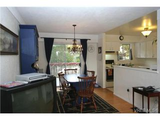 Photo 3: 645 Raynor Avenue in VICTORIA: VW Victoria West Single Family Detached for sale (Victoria West)  : MLS®# 255000