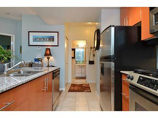 Photo 5: # 701 138 E ESPLANADE ST in North Vancouver: Lower Lonsdale Condo for sale : MLS®# V1093684