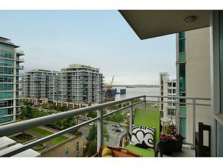 Photo 12: # 701 138 E ESPLANADE ST in North Vancouver: Lower Lonsdale Condo for sale : MLS®# V1093684