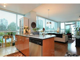 Photo 3: # 701 138 E ESPLANADE ST in North Vancouver: Lower Lonsdale Condo for sale : MLS®# V1093684