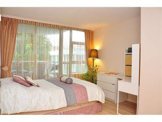Photo 7: 302 3070 Guildford Way in Coquitlam: North Coquitlam Condo for sale : MLS®# V1126460
